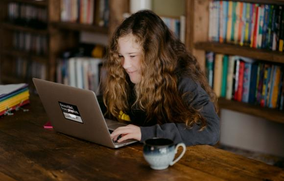 Managing online risks while working with children and young people